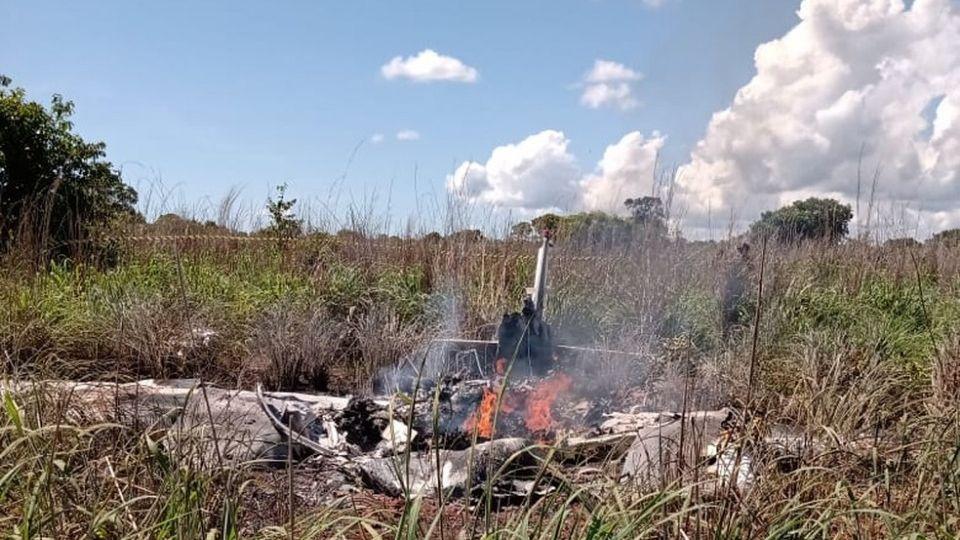 Seis pessoas morreram em queda de avião que levava parte da delegação do clube Palmas para jogo contra o Vila Nov