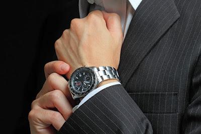 Kenali-5-Model-Jam-Tangan-Pria-yang-Lagi-Hits-dan-Kekinian