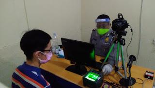 Pemohon Pembuatan SIM Meningkat Polres Cirebon Kota Tetap Menerapkan Protokol Kesehatan