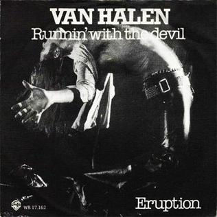 Cubierta del Single de Van Halen con dos canciones: Runnin' with the Devil (Cara A) y Eruption (Cara B)