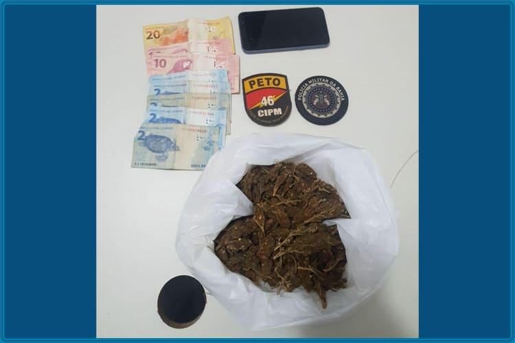 Jovem é detido após ser flagrado com droga em Livramento