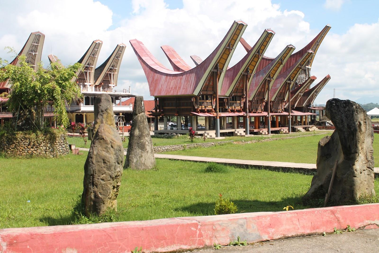 Keunikan Rumah Adat Sulawesi Selatan Tongkonan Rumah Adat Di Indonesia Maynimerry