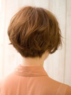 Short Stacked Hairstyle Enhances Your Personality