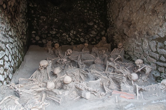 Los Fornicis en Herculano, la otra victima del Vesubio
