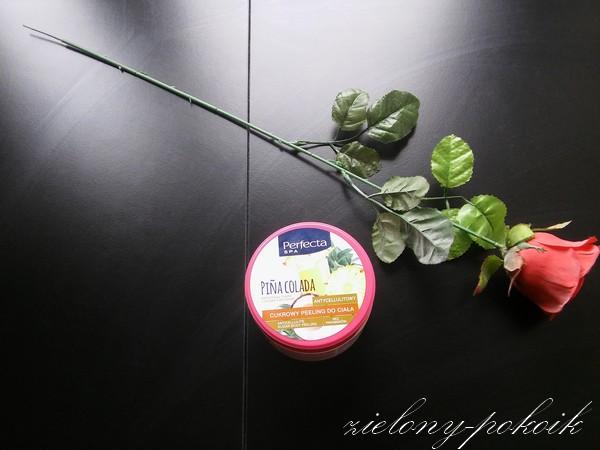 Kosmetycznie: Czy peeling o zapachu Pina Colady od Perfekty świetnie złuszcza naskórek?