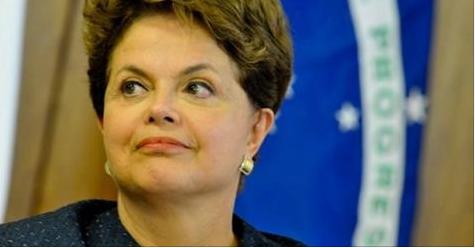 Dilma perde salário, mantém 8 servidores e terá de deixar Alvorada em 30 dias