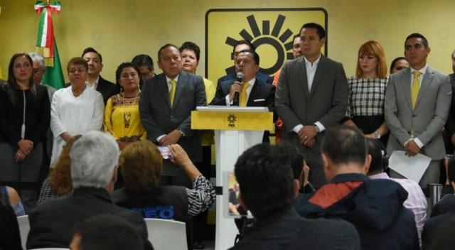 Con la cola entre las patas, PRD promete apoyo a López Obrador para evitar desaparecer