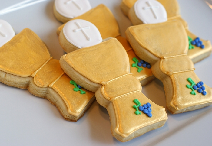 how to make First Communion decorated cookies