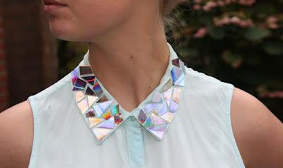 Cuello de blusa decorado con Cds reciclados