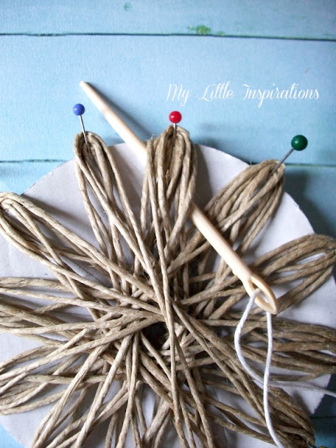 DIY Twine and raffia flowers with recycled paper leaves - Fiori di spago e rafia con foglie carta riciclata 7 - My Little Inspirations