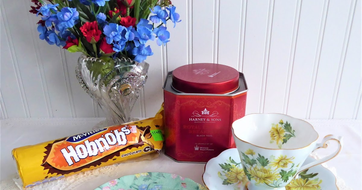 Antiques And Teacups: Just a Tea Time With HobNobs!