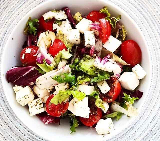 Easy Traditional Greek Salad Recipe