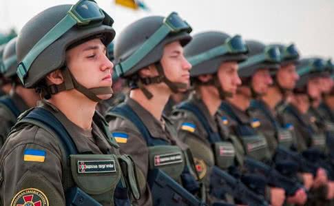 """Назад в """"Совок"""" чи стандарти НАТО. Як елітна бригада Нацгвардії втрачає кадри"""