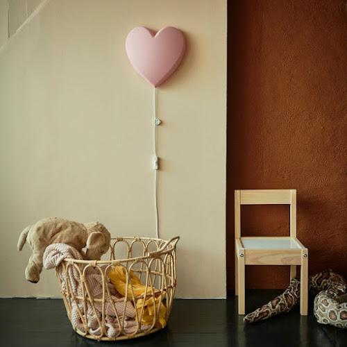 lampka na ścianę do pokoju dziecięcego