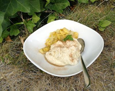Dinkel-Grießbrei mit Apfel-Bananen-Kompott