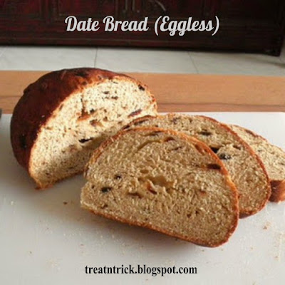 Date Bread (Eggless) Recipe @ treatntrick.blogspot.com