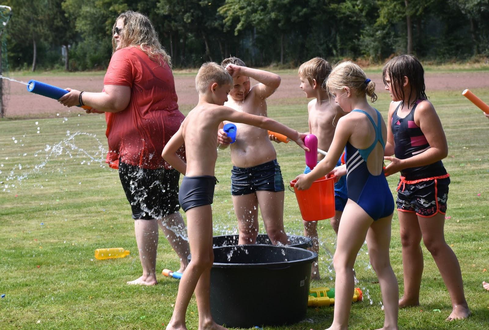 Elte Wasserspass Dlz Ferienprogramm In Kooperation Mit Dem Hot