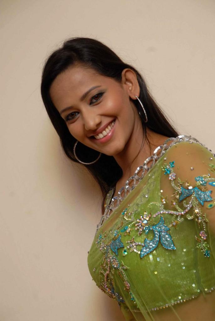 Bhavana indian actress hot video indianmasalaclipsnet - 2 4