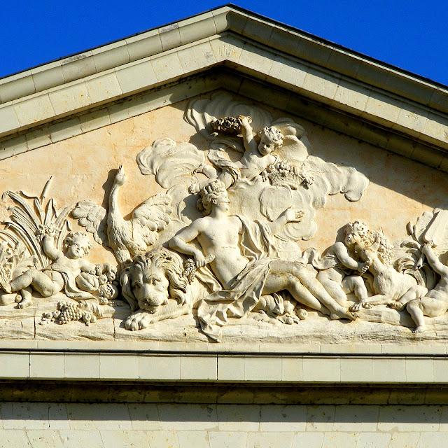 18C Pediment, La Bergerie, Les Ormes, Vienne, France. Photo by Loire Valley Time Travel.