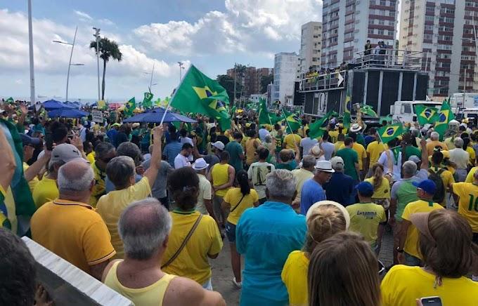 Manifestantes tomam a Barra em defesa de Bolsonaro, Previdência e pacote de Moro