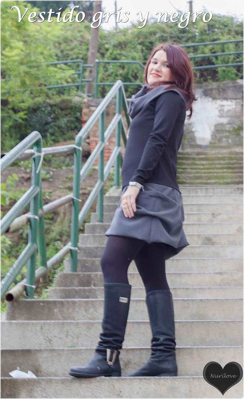 vestido negro y gris con cuello de quita y pon