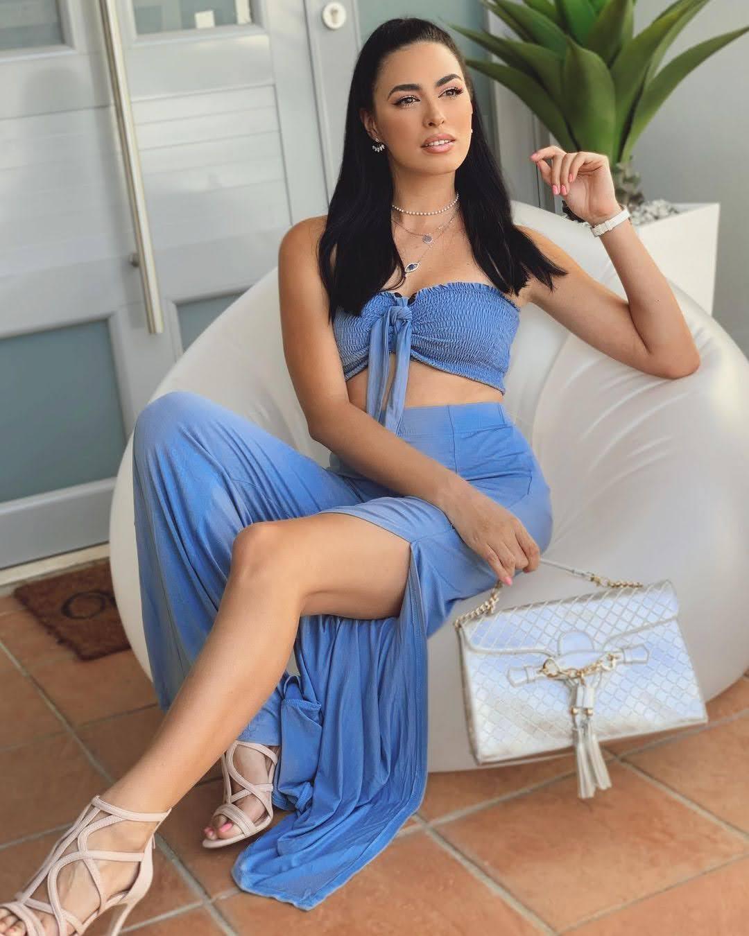 Nicole Marie  biography