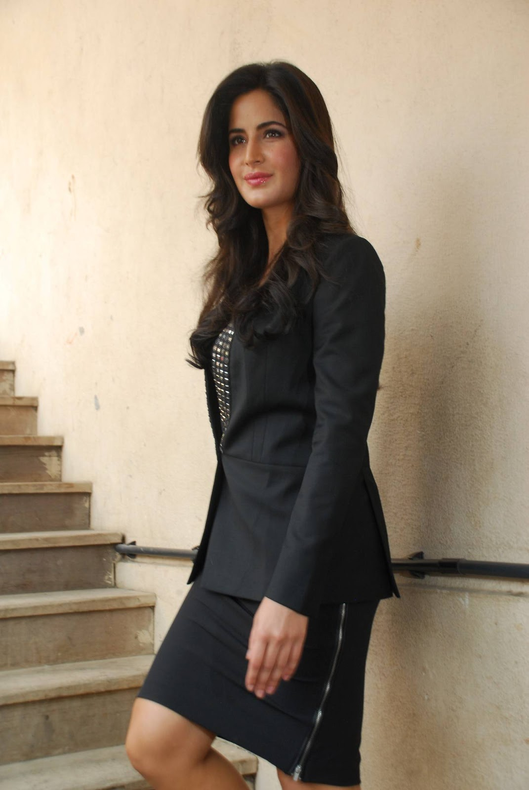 Most Glamours Bollywood Girl Katrina Kaif Stills In Hot Black Dress