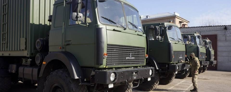 ЗСУ отримали 19 мобільних лазень на базі МАЗу
