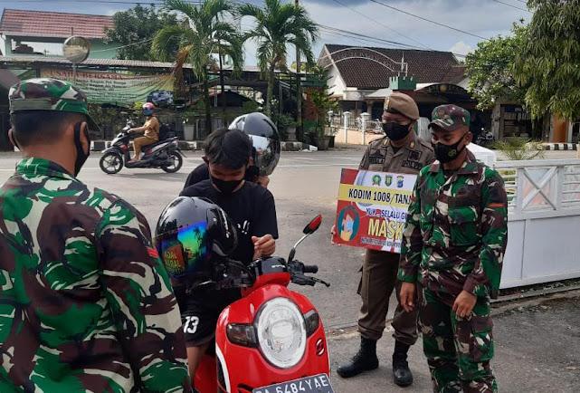 Disiplinkan Pengunjung Pendopo Bersinar, Tiga Pilar Dapati 3 Pemuda Abai Masker