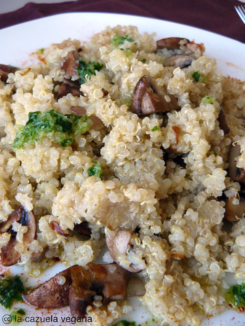 Quinoa con setas portobello, cebolla y picadillo de perejil | La ...