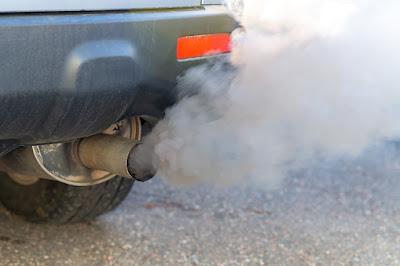 gejala asap mobil hitam