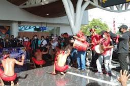 Atlit Wushu Papua dan Maluku untuk PON XX Tiba di Bandara Mopah Merauke