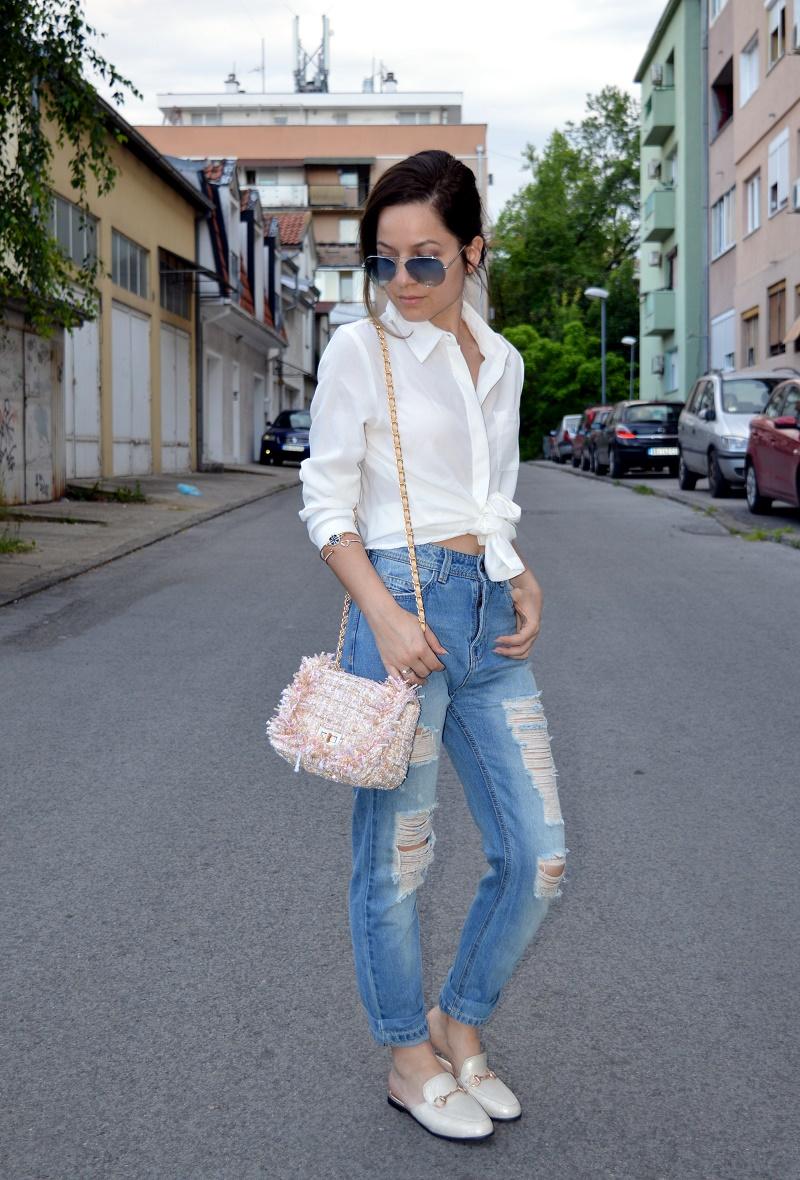 beige loafer slides outfit