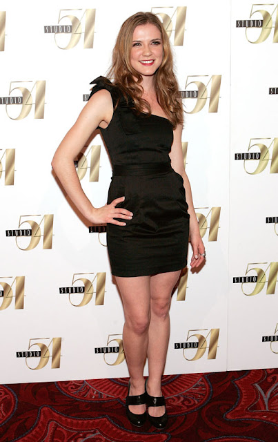 Sara Canning Shows Off Her Sexy Legs in Black Dress Navel Queens