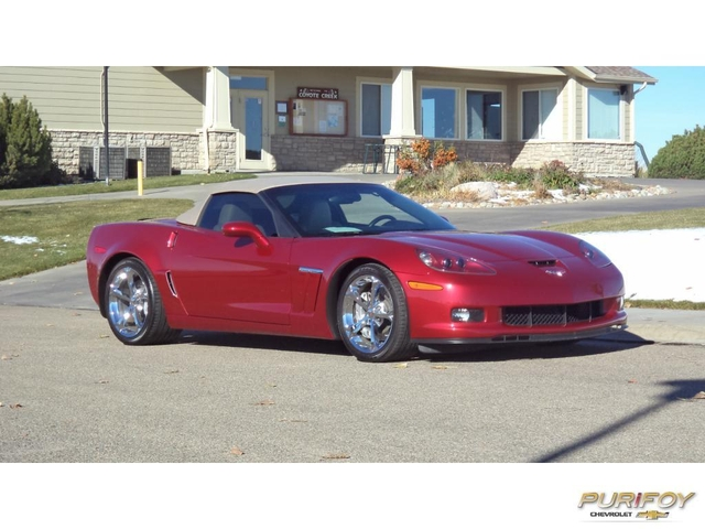 the corvette guys now at purifoy chevrolet 2013 corvette convertible in crystal red metallic. Black Bedroom Furniture Sets. Home Design Ideas