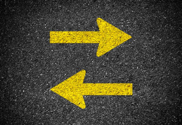 Picture of two arrows. One arrow pointing left; one arrow pointing right.