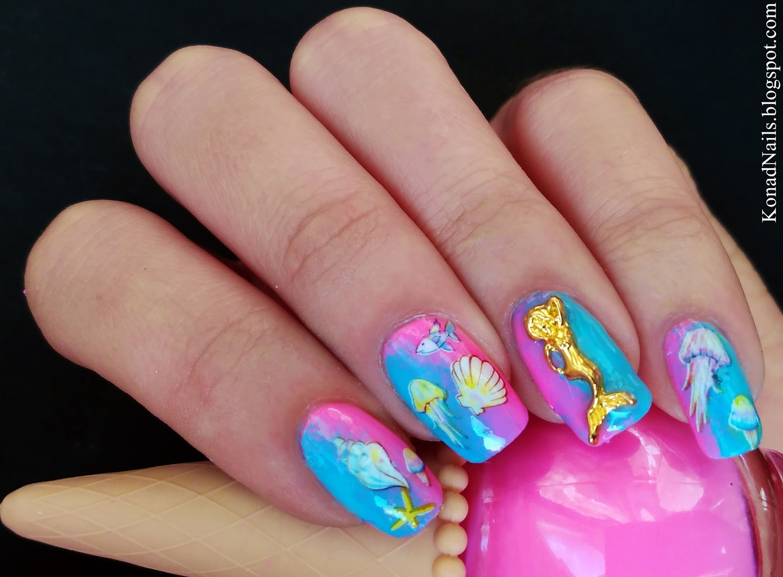 Konad Addict: Under the sea nail art