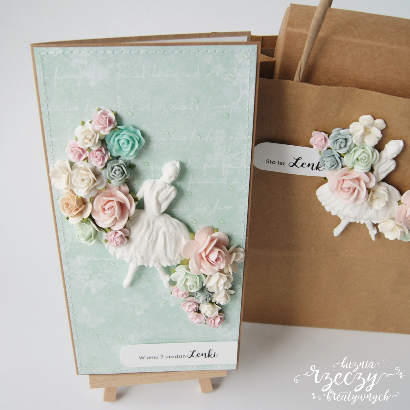 Urodzinowy zestaw dla Lenki: kartka + pudełko + torebka w stylu eko w pastelowej kolorystyce.