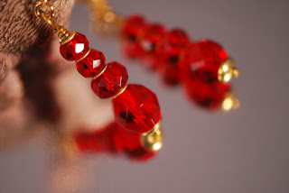 https://www.etsy.com/se-en/listing/467864973/elisabets-red-dangle-earrings-made-of-a?ref=shop_home_active_23