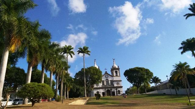 10 motivos para visitar Vassouras, a linda praça com a sua imponente igreja