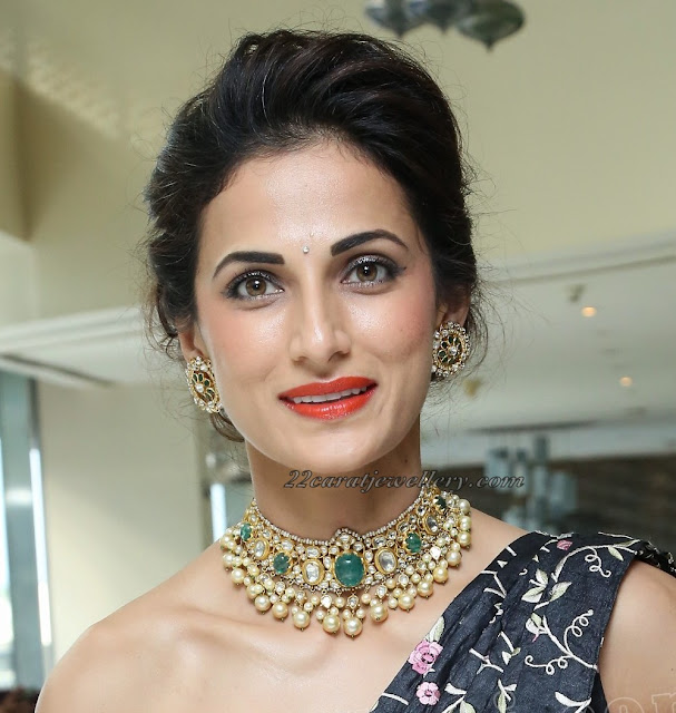 Shilpa Reddy in Large Studs