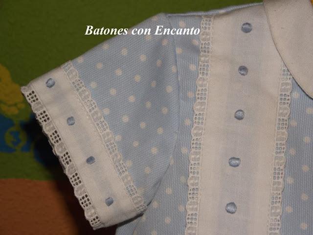 http://batonesconencanto.blogspot.com.es/2013/11/pelele-en-pique-con-panetes-bordados.html