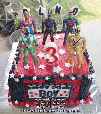 Kue Tart Ulang Tahun Anak Laki Superhero