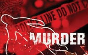 पिता के सामने 18 साल के बेटे की कैंची घोंपकर हत्या