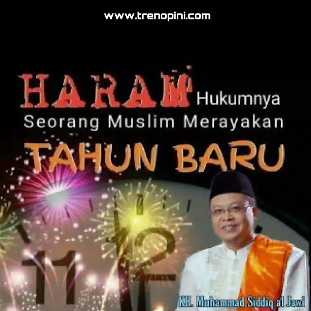 haram hukumnya seorang muslim ikut-ikutan merayakan tahun baru Masehi. Dalil keharamannya ada 2 (dua);