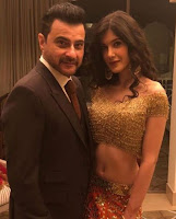 Sanjay Kapoor's daughter Shanayya also stepped in Bollywood, acting as assistant director, Funny Pictures, Images, Text, Quotes