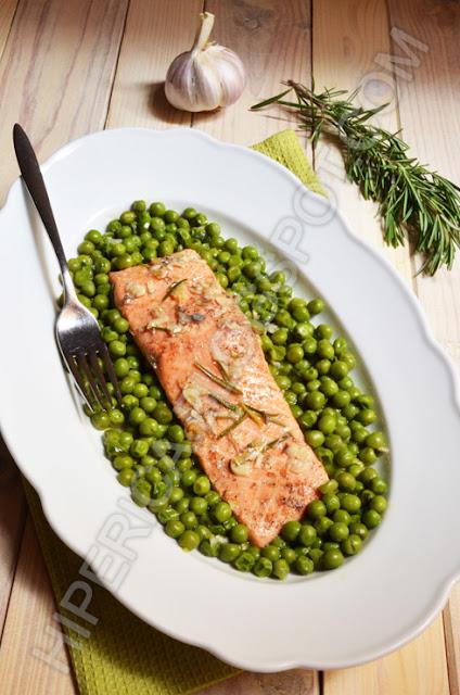 hiperica di lady boheme blog di cucina, ricette gustose, facili e veloci. Ricetta trancio di salmone in padella