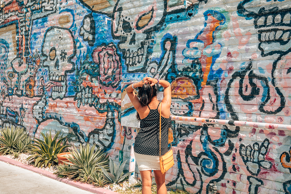 Top 10 Photo Spots in Costa Mesa for your Instagram Feed featured by top US Travel & Lifestyle blog, Sveeteskapes
