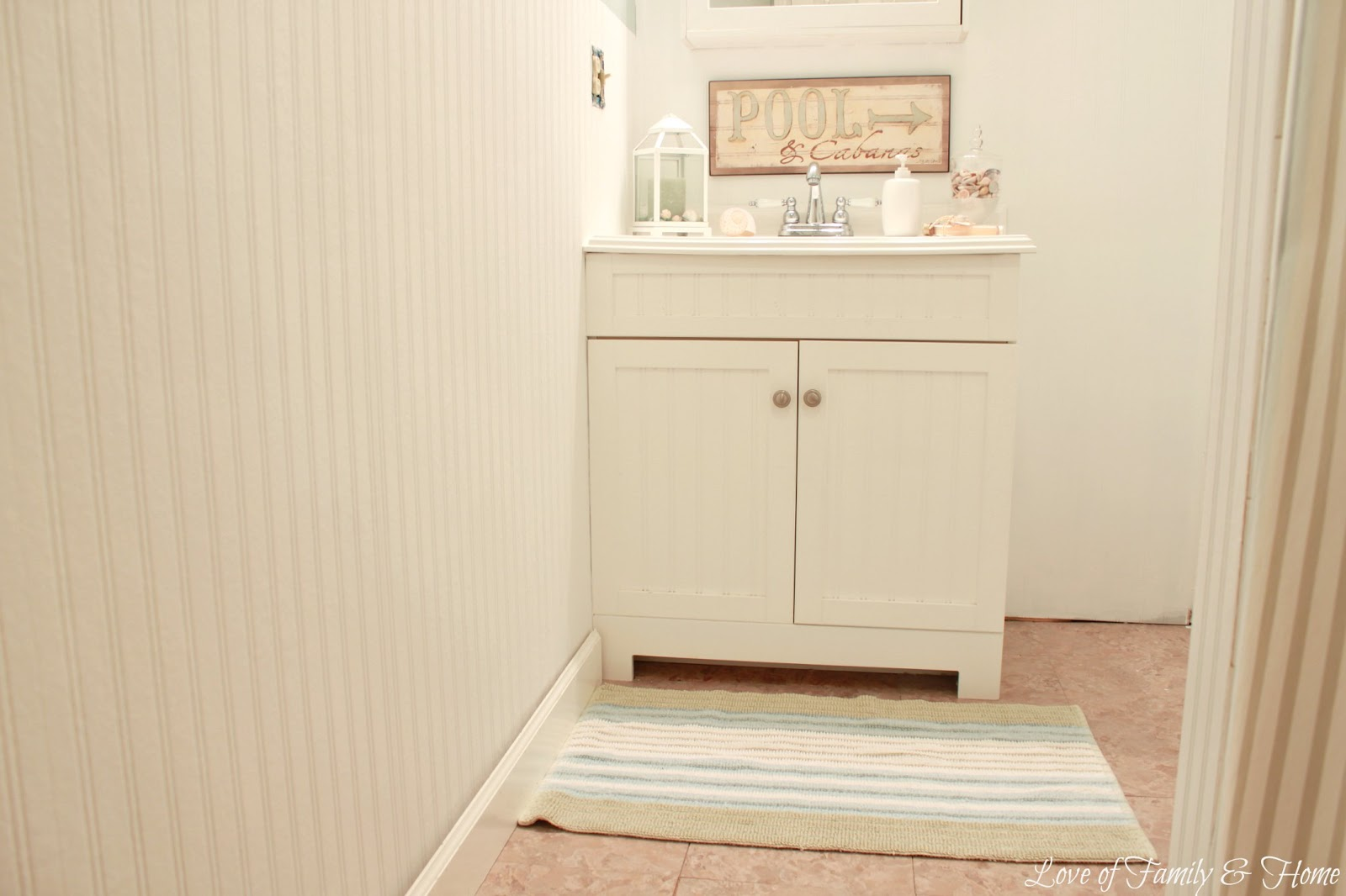 Beadboard Wallpaper Tutorial - Love of Family & Home