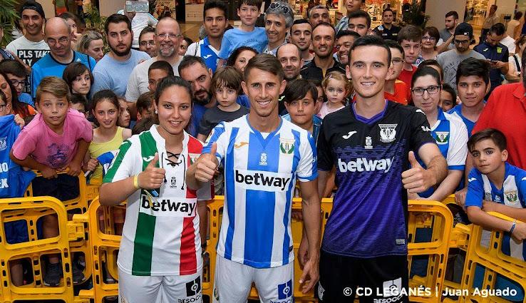 cb8ddbdb8 Leganés 18-19 Home